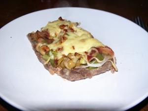 Schneiders Hackfleisch Pizza